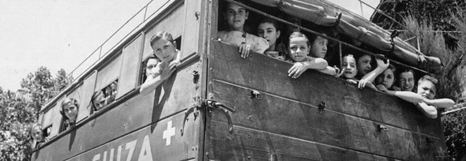 Camión de la Ayuda Suiza durante la Guerra Civil.